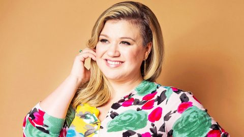 Find Out Who Got Kelly Clarkson's Vote For The 'American Idol' Finale | Country Music Videos