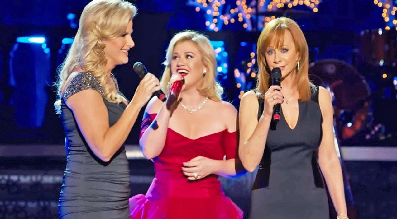 Country\'s Legendary Ladies Deliver A Breathtaking \'Silent Night ...