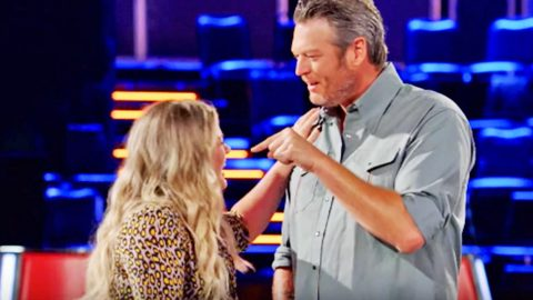 Kelly Clarkson Reveals Why Blake Shelton Made 'So Much Fun' Of Her On 'The Voice' Set | Country Music Videos