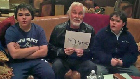 Kenny Rogers And His Twin Boys Encourage Support For 8-Year-Old Cancer Patient | Country Music Videos