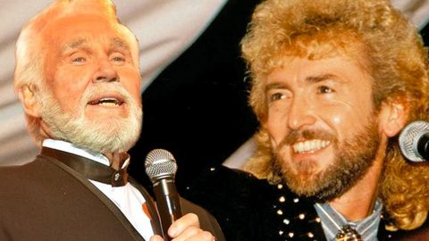 Kenny Rogers Honors Keith Whitley With 'There's A New Kid In Town' | Country Music Videos