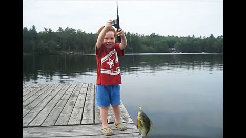 4-Year-Old Epically Catches Fish In Record Time   Country Music Videos