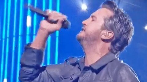 Luke Bryan 'Lights Up' The CMA Awards Stage With Infectious Performance | Country Music Videos