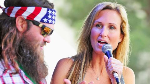 Korie Robertson Thrills Fans With 'Special Announcement' | Country Music Videos