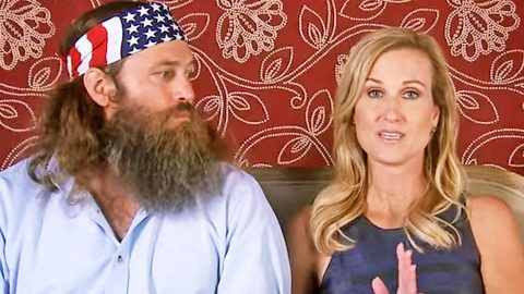 Korie Robertson Moved To Tears While Reflecting On Recent Robertson Event   Country Music Videos