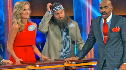 Willie Robertson & Steve Harvey Are Left Speechless By Korie's SHOCKING Family Feud Answer | Country Music Videos