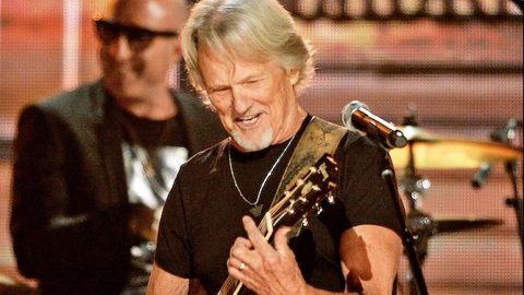 At 79, Kris Kristofferson Admits His Memory Is Failing, But The Music Remains | Country Music Videos