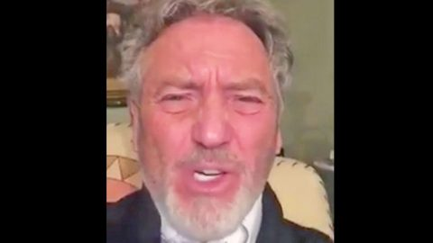 Country Legend Larry Gatlin Gets Fired Up About Barack Obama | Country Music Videos