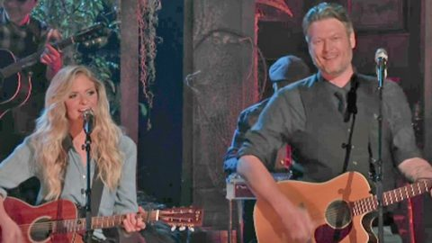 Blake Shelton And Lauren Duski Team Up For Phenomenal 'There's A Tear In My Beer' Duet | Country Music Videos