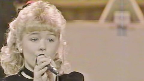 8-Year-Old LeAnn Rimes Sings Marty Robbins Classic On Star Search | Country Music Videos