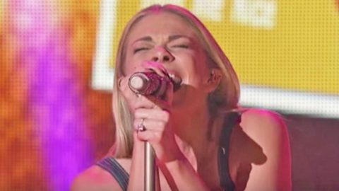 Fans Go Wild For LeAnn Rimes' Explosive Elvis Presley Tribute | Country Music Videos