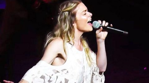 LeAnn Rimes Powers Through Show-Stopping Cover Of 'Me And Bobby McGee'   Country Music Videos