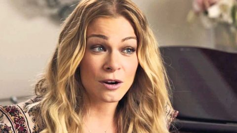 LeAnn Rimes Stands Her Ground When Hateful Fan Attacks   Country Music Videos