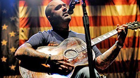Aaron Lewis Comes Clean On What Sparked His Rock To Country Transition   Country Music Videos