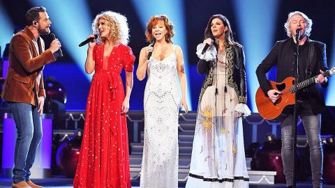 Reba McEntire & Little Big Town Join In Sweet Harmony For Magnificent 'Mary, Did You Know?' | Country Music Videos