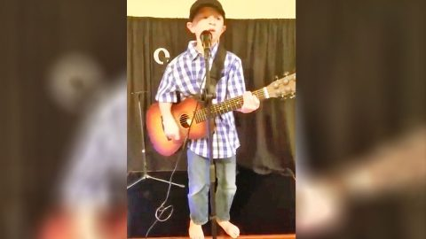 This Barefoot Boy Will Win You Over With His Sweet-As-Sugar Luke Bryan Cover | Country Music Videos