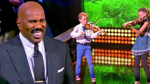 Young Kids Make Steve Harvey's Jaw Drop With Phenomenal Fiddle Playing | Country Music Videos