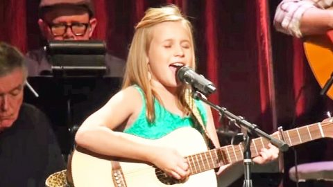 Young Girl's Heavenly Rendition Of 'Go Rest High On That Mountain' Will Give You Chills | Country Music Videos