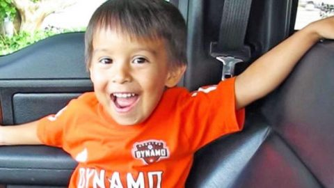 3-Year-Old Passionately Sings His Favorite Conway Twitty Song, And It's Super Cute   Country Music Videos