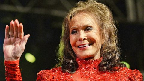 Loretta Lynn's Brother Gives Fans Hopeful Update On Her Health | Country Music Videos