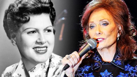 Loretta Lynn Sings A Heartbreaking Tribute To Patsy Cline With 'I Fall To Pieces' (WATCH) | Country Music Videos