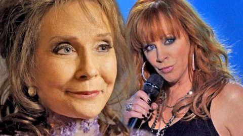"Reba McEntire's Stunning Rendition of Loretta Lynn's ""If You're Not Gone Too Long"" 