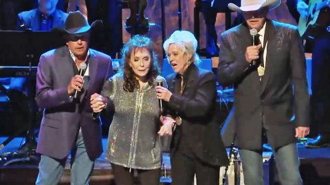 Country Music Legends Team Up For Unforgettable 'Will The Circle Be Unbroken' | Country Music Videos
