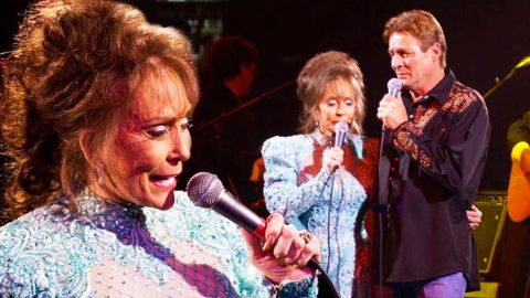 Loretta Lynn and Her Talented Son, Ernest Ray Lynn Sing 'Message From Jesus' | Country Music Videos