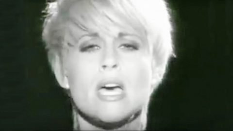 Lorrie Morgan Mourns Love Lost In 'A Picture Of Me Without You' Video | Country Music Videos