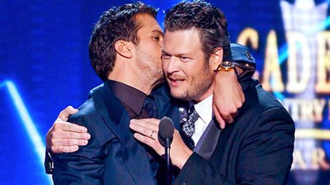 Luke Bryan Shares A Bromantic Moment With Buddy Blake Shelton | Country Music Videos