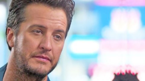 Luke Bryan Reveals The Most Special Christmas Gift He Ever Received | Country Music Videos