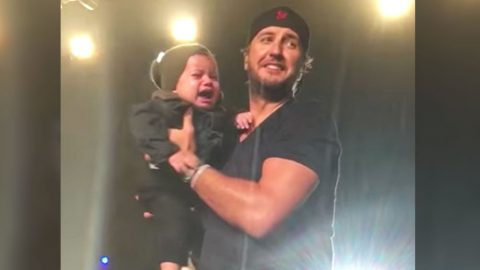 Luke Bryan Brings Baby On Stage…And The Baby Is Not Pleased | Country Music Videos