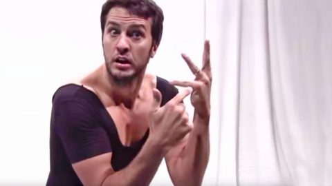 Luke Bryan Hysterically Dances To 'Single Ladies' While Wearing A Leotard | Country Music Videos