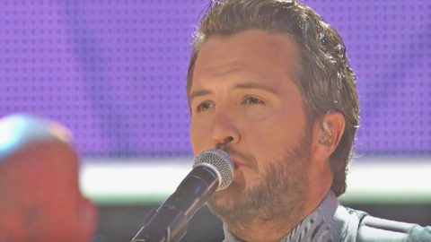 Luke Bryan Delivers Poignant Rendition Of 'Fast' At 'CMT Artists Of The Year' | Country Music Videos