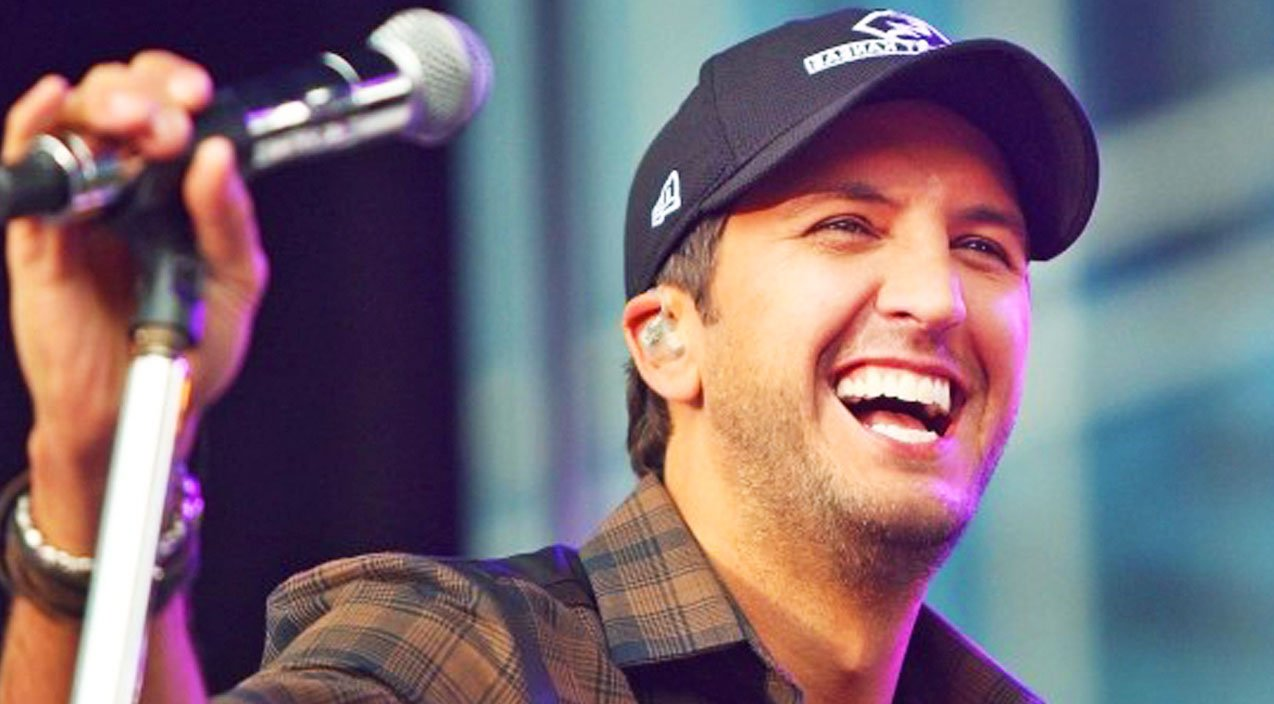 Luke Bryan Will Have You Laughing In Very First Selfie ...