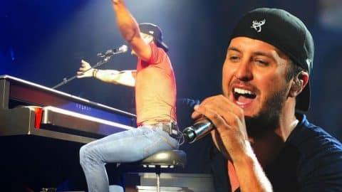 Luke Bryan Sings George Strait & Bob Seger! (Live, Detroit) (WATCH) | Country Music Videos