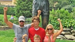 Luke Bryan & Family Pose For Family Photo, But Take a Close Look At His 8-Year-Old Son | Country Music Videos