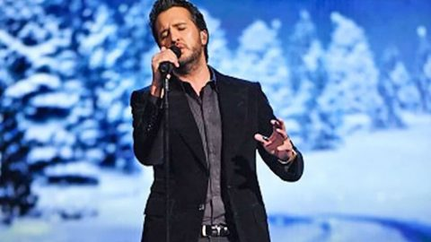 Luke Bryan's Heavenly 'O Holy Night' Is Like Nothing You Ever Heard | Country Music Videos