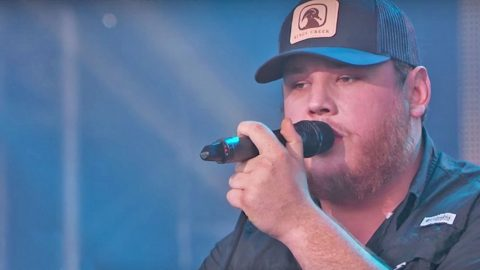 Hours After Witnessing The Vegas Shooting, Luke Combs Honors The Victims | Country Music Videos