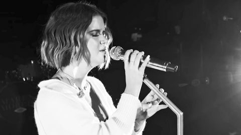 Maren Morris' First-Ever Live Performance Of 'Dear Hate' Is Painfully Stunning | Country Music Videos