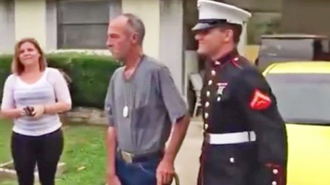 Veteran Bursts Into Tears When Marine Grandson Surprises Him On His Birthday | Country Music Videos