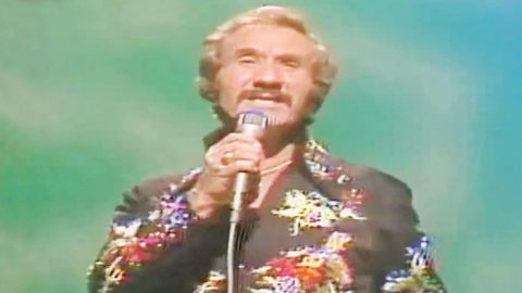 Marty Robbins Unleashes Raw Talent In Sensational Performance Of One Of His Songs | Country Music Videos