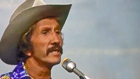 Marty Robbins Honors Merle Haggard With Gripping Cover Of 'If We Make It Through December' | Country Music Videos