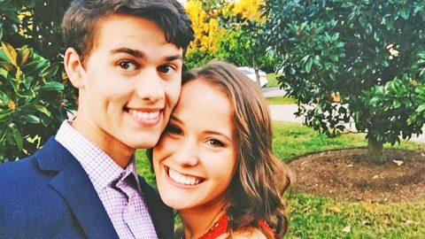 John Luke & Mary Kate Robertson Welcome Adorable New Addition To Their Family | Country Music Videos