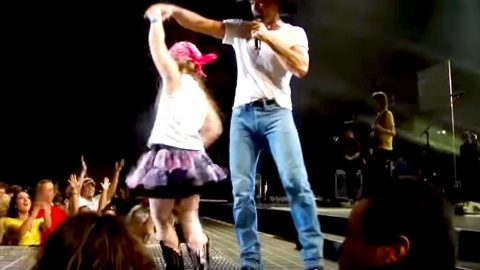 Tim McGraw Finds 'Tiny Dancer' And What Happens Next Is A Pure Fairytale! | Country Music Videos