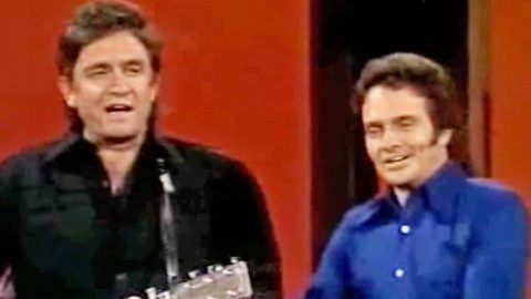 Merle Haggard Does Spot-On Impersonations Of Johnny Cash, Marty Robbins, And More   Country Music Videos