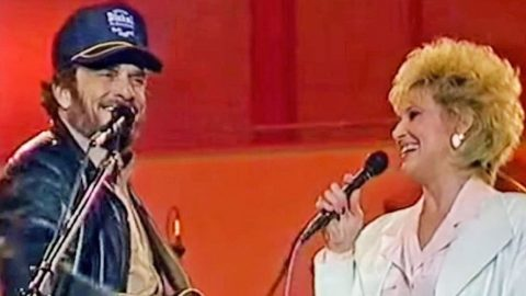 Merle Haggard & Tammy Wynette Make History With Surprise Duet Of 'Okie From Muskogee' | Country Music Videos