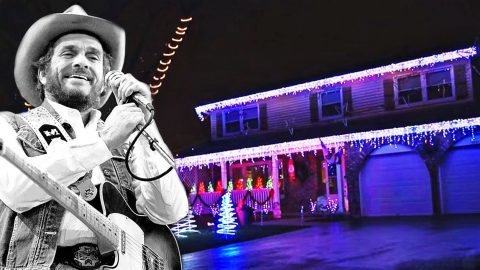 See Christmas Lights Dance In Sync To Merle Haggard's 'Santa Claus Is Coming To Town' | Country Music Videos