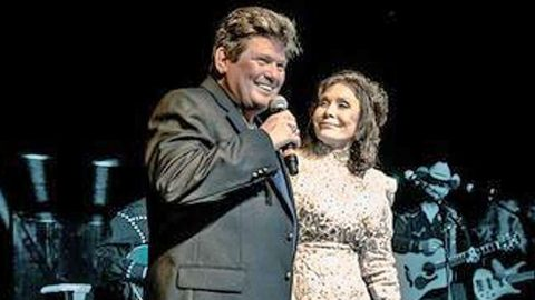 Loretta Lynn Is Joined By Conway Twitty's Son For Incredible 'Louisiana Woman, Mississippi Man' Duet | Country Music Videos