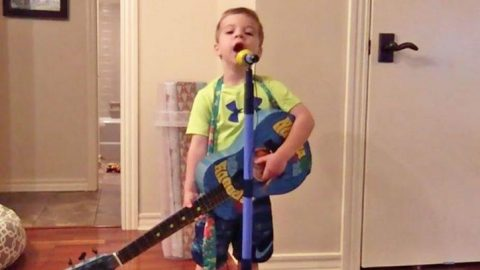 Pint-Sized George Strait Fan Belts 'Carrying Your Love With Me' At The Top Of His Lungs | Country Music Videos